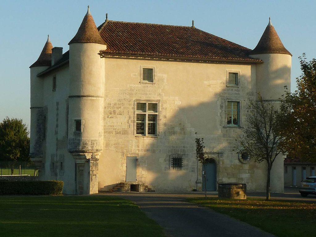 Salle des fêtes du Château de LA ROCHETTE
